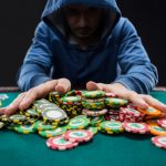 How Does Online Poker Betting Work?